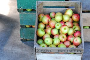apples_in_wooden_box_med